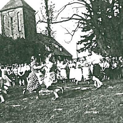 Tanz in den Mai 1938 © Stadt Bismark